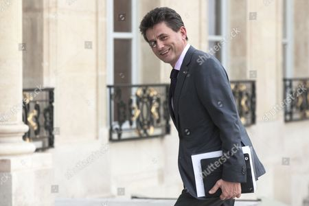 French International Insurance Group Axa's Ceo Henri De Castries Arrives at the Elysee Palace in Paris France 18 March 2015 France Paris