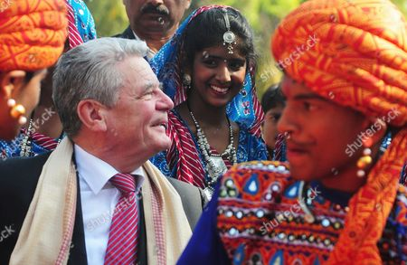 German President Joachim Gauck (l) Interacts with School Children During His Visit to Kendriya Vidayalaya M E G & Centre School in Bangalore India 08 February 2014 Gauck is in India on a Six-day State Visit India Bangalore