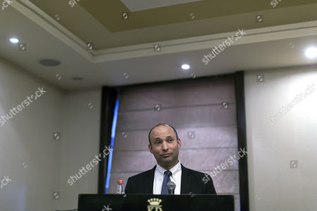 Israeli Economics Minister Naftali Bennet who Leads the Right-wing Political Party the Jewish Home (habayit Yehudi) Speaking to the Foreign Press Association in a Jerusalem Hotel 27 April 2014 Bennet Spoke Mainly About His Vision For Dealing with the Palestinians in the Current Break-up of the Us-sponsored Peace Talks Between Israel and the Palestinians and Called For what He Called 'Self Rule on Steroids' For the Palestinians with Full Freedom of Movement with Their Areas of Self Rule Israel Jerusalem