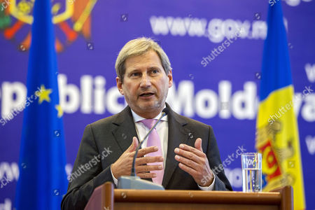 European Commissioner For European Neighbourhood Policy and Enlargement Negotiations Johannes Hahn Gestures at Press Conference with the Prime Minister of Moldova Iurie Leanca (not Pictured) at Government Building in Chisinau Moldova 06 November 2014 Moldova and the Eu Are Closing Tighter Ties with Moldova Seeking Eu Membership Moldova, Republic of Chisinau