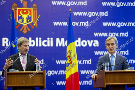 European Commissioner For European Neighbourhood Policy and Enlargement Negotiations Johannes Hahn (l) Gestures at Press Conference with the Prime Minister of Moldova Iurie Leanca (r) at Government Building in Chisinau Moldova 06 November 2014 Moldova and Teh Eu Are Closing Ties Tighter with Moldova Seeking Eu Membership Moldova, Republic of Chisinau