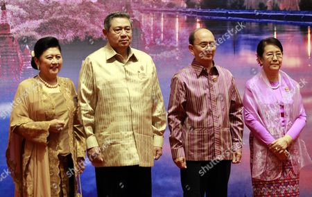 Stock Image of Indonesia President Susilo Bambang Yudhoyono (2-l) His Spouse Ani Bambang Yudhoyono (l) Myanmar President Thein Sein (2-r) and His Wife Khin Khin Win (r) Pose For the Photo Before the Welcome Dinner of Southeast Asian Nations (asean) Summit in Naypyitaw Myanmar 10 May 2014 Myanmar Hosts the 24th Asean Summit in Naypyitaw As the First Time Since Its Join the Asean Community in 1997 and Theme For Its Chairmanship of Asean is 'Moving Forward in Unity to a Peaceful and Prosperous Community ' Myanmar Naypyitaw