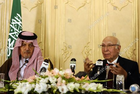 Saudi Foreign Minister Prince Saud Al Faisal (l) and Pakistani Foreign Minister Sartaj Aziz (r) During a Press Conference After Their Meeting in Islamabad Pakistan 07 January 2014 Saud Al Faisal is on a Two-day Official Visit to Pakistan to Discuss Issues of Mutual Interest and Regional Security Pakistan Islamabad