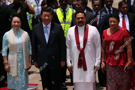 Visiting Chinese President Xi Jinping (2-l) with (from L) Chinas First Lady Peng Liyuan President Mahinda Rajapaksa and Sri Lankas First Lady Shiranthi Rajapaksa Wickremasinghe at the Bandaranaike International Airport in Colombo Sri Lanka 15 September 2014 the Chinese President is on a Two Day Official Visit to Sri Lanka on the Invitation of the Government where He is Expected to Sign Several Agreements Including a Memorandum of Understand on Negotiations For a Free Trade Agreement Between China and Sri Lanka Sri Lanka Katunayake