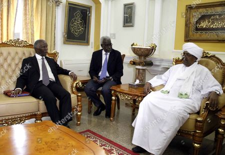 Former South African President and Head of African Union High-level Implementation Panel (auhip) Thabo Mbeki (l) Speaks with Sudanese President Omar Al-bashir (r) During a Meeting in Khartoum Sudan September 10 2014 According to Media Sources Mbeki Discussed the Upcoming Conference October 2014 in Addis Ababa where Sudanese Political Forces Will Meet in Preparation For a National Dialogue Set to Take Place in Sudan and the Recent Visit of the President South Sudan Salva Kiir where Mbeki Believed Significant Progress Had Been Made Toward Normalising and Strengthening Relations Between Sudan and South Sudan Sudan Khartoum