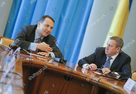 Polish Foreign Minister Radoslaw Sikorski (l) and Ukrainian Foreign Minister Andrii Deshchytsia (r) Speak During the Annual Polish-ukrainian Foreign Ministry Consultations in Kiev Ukraine 16 May 2016 the Ministers Were Signing an Agreement on Cooperation Between Their Ministries For the Years 2014-2015 Which Includes Political Consultations of Representatives of the Weimar Triangle and the Visegrad Group Countries with the Ukrainian Authorities As Well As Regular Meetings of Polish and Ukrainian Foreign Ministers and Organizing Training Seminars For Ukrainian Diplomats Ukraine Kiev