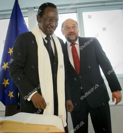 President of the European Parliament Martin Schulz (r) Welcomes President of Mali Dioncounda Traore Prior to a Meeting at the European Parliament in Brussels Belgium 16 May 2013 Belgium Brussels