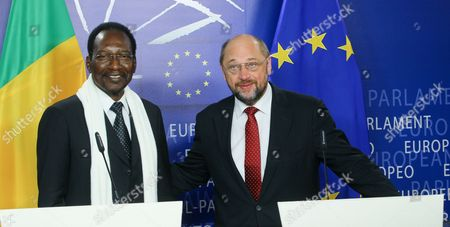 President of the European Parliament Martin Schulz (r) and President of Mali Dioncounda Traore During a Press Conference Following a Meeting at the European Parliament in Brussels Belgium 16 May 2013 Top Officials From Around the World on 15 May Exceeded Expectations with Combined Pledges of 3 25 Billion Euros (4 18 Billion Dollars) to Support Reconstruction in War-torn Mali Setting the Stage For Mali to Deliver Reforms in Return Belgium Brussels