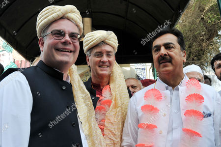Stock Photo of Pakistan Former Prime Minister Yousuf Raza Gilani (r) Us Ambassador to Pakistan Richard Olson (c) and Us Consul General in Lahore Zachary Harkenrider (l) Pose For a Photograph During Their Meeting in Multan Pakistan 09 June 2015 Olson is on an Official Visit of Multan to Discuss Issues of Mutual Interest and Regional Security with the Pakistani Leadership Pakistan Multan