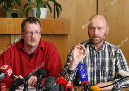 German Colonel Axel Schneider (r)speaks During the Presentation to the Media of the Organization For Security and Cooperation in Europe (osce) Military Observers by the So Called People's Mayor of Slaviansk Vyacheslav Ponomarev in Slaviansk Ukraine 27 April 2014 Man on Left is not Identified the Seven Observers From Vienna-based Osce Five Ukrainian Officers and One Driver of a Bus Were Detained by Pro-russian Separatists in Eastern Ukrainian on 25 April 2014 and Are Held Captive on Charges of Espionage Ukraine Slaviansk