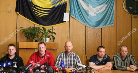 Part of the Organization For Security and Cooperation in Europe (osce) Military Observers and the So Called People's Mayor of Slaviansk Vyacheslav Ponomarev (l) Attend a Press Conference in Slaviansk Ukraine 27 April 2014 Speaking For the Group was German Colonel Axel Schneider (c Checkered Shirt) Others Are not Identified the Seven Observers From Vienna-based Osce Five Ukrainian Officers and One Driver of a Bus Were Detained by Pro-russian Separatists in Eastern Ukrainian on 25 April 2014 and Are Held Captive on Charges of Espionage Ukraine Slaviansk