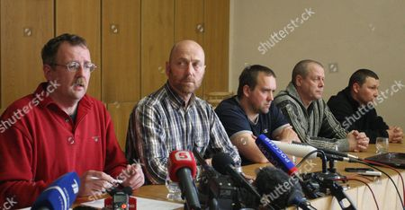 Part of the Organization For Security and Cooperation in Europe (osce) Military Observers and the So Called People's Mayor of Slaviansk Vyacheslav Ponomarev Attend a Press Conference in Slaviansk Ukraine 27 April 2014 Speaking For the Group was German Colonel Axel Schneider (2-l) Others Are not Identified the Seven Observers From Vienna-based Osce Five Ukrainian Officers and One Driver of a Bus Were Detained by Pro-russian Separatists in Eastern Ukrainian on 25 April 2014 and Are Held Captive on Charges of Espionage Ukraine Slaviansk