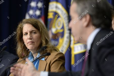Stock Photo of Director of the Office of Management and Budget (omb) Sylvia Mathews Burwell (l) Listens to National Economic Council Director Gene Sperling (r) Speak During a News Conference on President Obama's Fiscal Year 2015 Budget Proposal at the Eisenhower Executive Office Building in Washington Dc Usa 04 March 2014 Obama Sent a 3 9 Trillion Dollar Budget Request to Congress on 04 March That Has Increased Spending Aimed to Bolster Economic Growth United States Washington