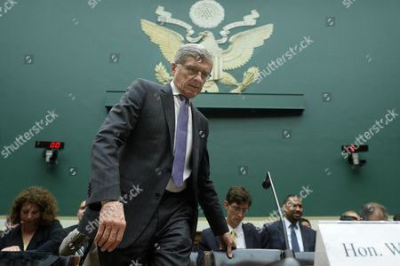 Federal Communications Commission (fcc) Chairman Tom Wheeler Arrives to Testify Before the Us House Energy and Commerce Subcommittee Hearing on Oversight of the Fcc on Capitol Hill in Washington Dc Usa 20 May 2014 Net Neutrality and Possible Future Changes to Pricing by Internet Providers was Discussed at the Hearing United States Washington