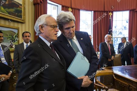 Us Secretary of State John Kerry (r) Speaks with Us Special Envoy For Israeli-palestinian Negotiations Martin Indyk (l) in the Oval Office of the White House in Washington Dc Usa 17 March 2014 the Us Imposed April Deadline For a Framework For Peace Talks Between Israelis and Palestinians Has Hit a Roadblock Over Israel's Prerequisite That Palestinians Recognize Israel As a Jewish State United States Washington