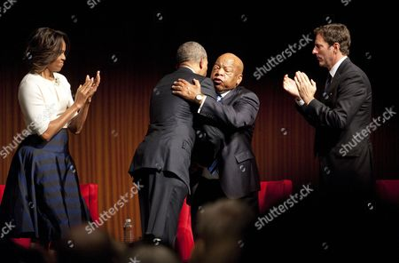 Us President Barack Obama (2-l) Greets Us Congressman John Lewis (3-l) After He Spoke in the Lbj Presidential Library at the Civil Rights Summit on the Campus of the University of Texas Usa 10 April 2014 Us First Lady Michelle Obama (l) and Mark Updegrove Executive Director of the Lbj Presidential Library Look on United States Austin