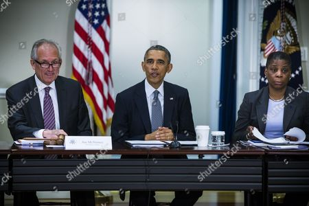 Us President Barack Obama (c) Flanked by Jim Mcnerney Chairman President and Ceo of the Boeing Company (l) and Ursula Burns Chairman and Ceo of the Xerox Corporation (r) Speaks at a Meeting of the President's Export Council Which Advises Hm on Us Trade Performance in the Eisenhower Executive Office Building in Washington Dc Usa 11 December 2014 United States Washington