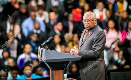 Us Representative James E Clyburn Speaks Before Us President Barack Obama is Introduced at Benedict College in Columbia South Carolina Usa 06 March 2015 Obama Spoke to Leaders About Expanding Opportunities in Their Own Communities United States Columbia