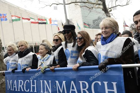 (l-r) Cindy Mccain Trudy Styler Ban Soon Taek Kim Cattrall Naomi Campbell and Uma Pemmaraju March As During the Un Women For Peace (unwfp) Annual 'March in March' to End Violence Against Women in Celebration of International Women's Day Near the United Nations Headquarters in New York New York Usa 07 March 2014 an Estimated 600 Participants Will March From the United Nations Headquarters to Dag Hammarskjold Park in Solidarity to Generate Greater Awareness to End Violence Against Women United States New York