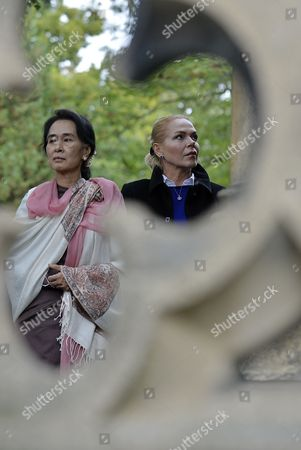Nobel Peace Prize Laureate and Myanmar Opposition Leader Aung San Suu Kyi (l) and Widow of Former President Vaclav Havel Dagmar Havlova (r) During Her Visit to the Tomb of Late Czech President Vaclav Havel at Vinohrady Cemetery in Prague Czech Republic 15 September 2013 Aung San Suu Kyi is on a Five-day Visit to Poland Hungary and the Czech Republic Czech Republic Prague