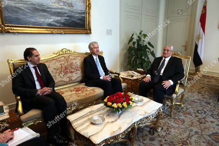 Egyptian Interim President Adli Mansour (r) Meets with Us Deputy Secretary of State William Burns (c) and Egyptian Political Advisor Mustafa Hegazy (l) at the Presidential Palace in Cairo Egypt 15 July 2013 Burns is the First Us Official to Visit Cairo Since the Army Overthrew Islamist President Mohamed Morsi Egypt Cairo