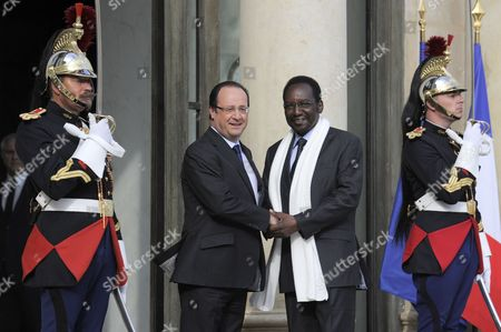 French President Francois Hollande (l) Greets President of Mali Dioncounda Traore (r) Upon His Arrival at the Elysee Palace in Paris France 17 May 2013 France Paris