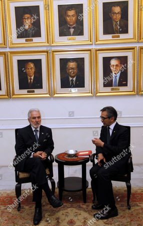 Nicaragua's Minister of Foreign Affairs Samuel Santos Lopez (l) Talks to His Indonesian Counterpart Marty Natalegawa During Their Meeting in Jakarta Indonesia 18 June 2013 Samuel Santos Lopez is in Indonesia to Meet Several Indonesian Leaders Indonesia Jakarta