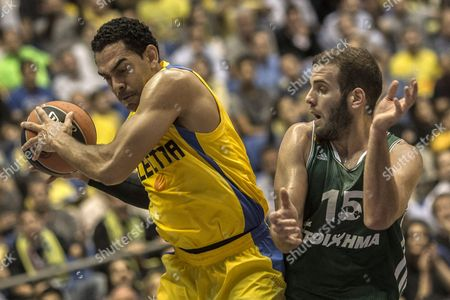 David Blue of Maccabi Electra Tel Aviv Vies with For the Ball with Nikos Pappas of Panathinaikos Athens During Their Euro League Basketball Mach in Tel Aviv Israel 14 November 2013 Israel Tel Aviv