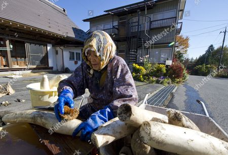Editorial image of Japan Ageing Society - Oct 2014