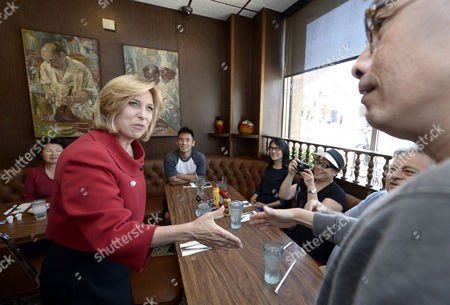 Los Angeles Mayoral Candidate Wendy Greuel (l) Meets Diners During a Campaign Stop at Langer's Delicatessen-restaurant in Los Angeles California Usa 21 May 2013 Greuel is Locked in a Close Race with Fellow Democratic Candidate Eric Garcetti in the Mayoral Run-off Election United States Los Angeles