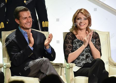 Mexican President Enrique Pena Nieto (l) and His Wife Angelica Rivera (r) During a Meeting with Local Businessmen at a Hotel in Los Angeles California Usa 25 August 2014 Pena Nieto Came to California on the Invitation of Californian Governor Jerry Brown After the Two Met Recently in Mexico United States Los Angeles