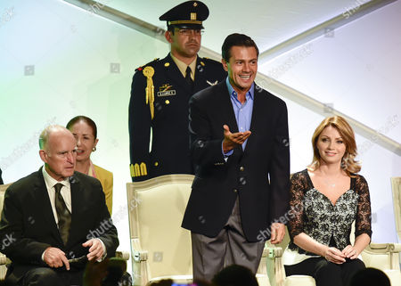 Mexican President Enrique Pena Nieto (c) His Wife Angelica Rivera (r) and California Governor Jerry Brown (l) Meet with Local Businessmen at a Hotel in Los Angeles California Usa 25 August 2014 Pena Nieto Came to California on the Invitation of Californian Governor Jerry Brown After the Two Met Recently in Mexico United States Los Angeles