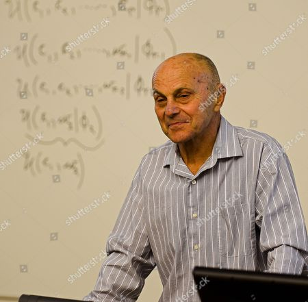 University of Chicago Professor Eugene F Fama Stands at His Desk in His Classroom As He Teaches After Winning the 2013 Nobel Prize in Economic Sciences For Trend Spotting in Asset Markets in Chicago Illinois Usa 14 October 2013 the Prize Will Be Shared by University of Chicago Professors Lars Peter Hansen and Eugene F Fama and Yale University Professor Robert J Shiller United States Chicago