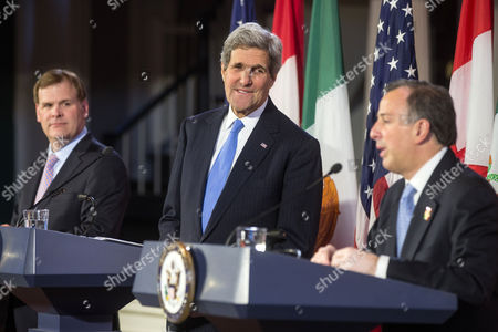 United States Secretary of State John Kerry (c) During a Press Conference with Canadian Foreign Minister John Baird (l) and Mexican Foreign Secretary Jose Antonio Meade (r) at Historic Faneuil Hall in Boston Massachusetts Usa 31 January 2015 Secretary of State Kerry is Hosting the North American Ministerial Trilateral Meeting United States Boston