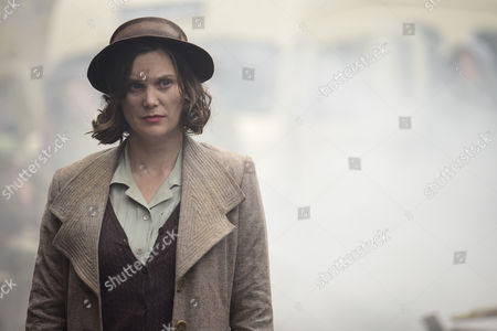 'The Halcyon' (Episode 5) - Steven MacKintosh as Richard Garland and Liz White as Peggy Taylor.