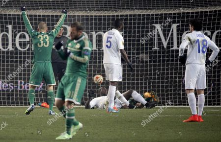 Panathinaikos Players Mladen Petric (l) and Christos Bourbos (2-l) Celebrate a Goal During the Uefa Europa League Group E Soccer Match Between Dinamo Moscow and Panathinaikos in Moscow Russia 27 November 2014 Russian Federation Moscow