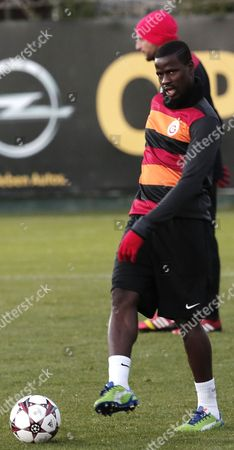 Galatasaray's Emmanuel Eboue Attends His Team's Training Session at Metin Oktay Sport Facility in Istanbul Turkey 09 December 2013 Galayasaray Will Face Juventus in the Uefa Champions League Soccer Match on 10 December 2013 Turkey Istanbul