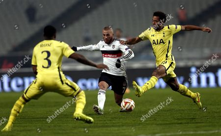 Besiktas Istanbul's Gokhan Tore (c) Fights For Ball Against Tottenham Hotspur's Dany Rose (l) and Mousa Dembele (r) During the Uefa Europa League Group C Soccer Match Between Besiktas Istanbul and Tottenham Hotspur in Istanbul Turkey 11 December 2014 Turkey Istanbul