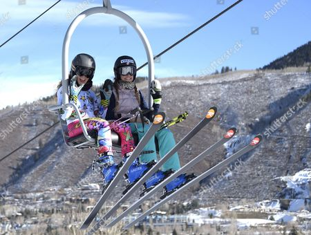 Sarah Schleper De Gaxiola of Mexico (l) and Mikaela Shiffrin of the Usa (r) Wave to Photographers on Their Way to Women's Free Ski Run at the Fis Alpine Skiing World Cup in Aspen Colorado Usa 28 November 2014 United States Aspen