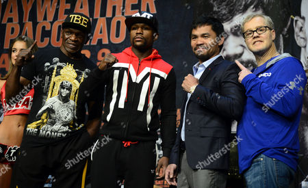 Filipino Boxer Manny Pacquiao (2-r) and Us Boxer Floyd Mayweather Jr (2-l) Pose with Their Trainers Floyd Mayweather Sr (l) and Freddie Roach (r) Following a Press Conference at Mgm Grand Garden Arena in Las Vegas Nevada Usa 29 April 2015 Manny Pacquiao Will Fight Floyd Mayweater Jr For the Wbc Welterweight Title Bout on 02 May in Las Vegas United States Las Vegas
