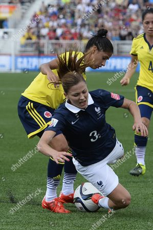 Colombia's Carolina Arias (r) and France's Laure Boulleau Battle For the Ball During the Fifa Women's World Cup 2015 Group F Match Between France and Colombia in Moncton Canada 13 June 2015 Canada Moncton