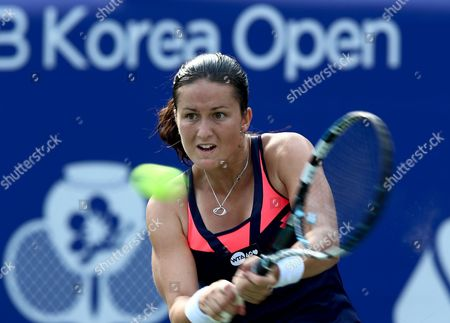 Lara Arruabarrena of Spain Returns to Su-jeong Jang of South Korea During Their Women Quarterfinal Match of the 2013 Kdb Korea Open Tennis Championships at the Olympics Park in Seoul South Korea 20 September 2013 Arruabarrena Won in Two Straight Sets by 6-0 6-4 Korea, Republic of Seoul