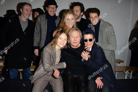 Baxter Dury, Reda Kateb, Natacha Regnier, Edouard Baer, Germain Louvet, Agnes Trouble, Diane Rouxel, Jeanne Added in the front row