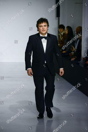 Patrick Pelloux on the catwalk