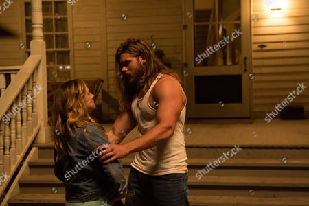 Stock Photo of Kelly Sullivan and Brock O'Hurn, Episode 105