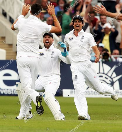 England's Matt Prior and Alastair Cook Rush to Congratulate Steve Finn (l) After He Bowled Australia's Ed Cowan For a Duck During the First Test of the 2013 Ashes Series Between England and Australia at Trent Bridge Cricket Ground in Nottingham Britain 10 July 2013 United Kingdom Nottingham