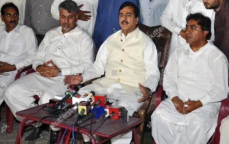 Former Pakistani Prime Minister Yusuf Raza Gilani Speaks to Journalists After He Received a Phone Call From His Son who was Kidnapped in Year 2013 in Multan Pakistan 25 May 2015 Yousaf Raza Gilani Said That Unknown Kidnappers Asked For Their Accomplices to Be Freed From Pakistani Prisons in Return of His Son Ali Haider Gilani the Son of Former Pm Gilani was Kidnapped by Suspected Militants During an Election Campaign in 2013 Pakistan Multan