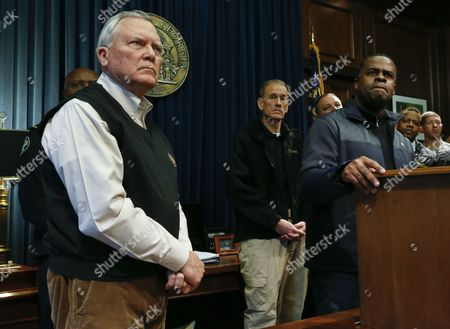 Georgia Governor Nathan Deal (l) and Atlanta Mayor Kasim Reed (r) Respond to Questions in the Aftermath a Winter Storm in Unprepared Atlanta Georgia Usa 29 January 2014 Thousands of Commuters and Students Were Unable to Reach Their Homes in the Aftermath of the Storm United States Atlanta