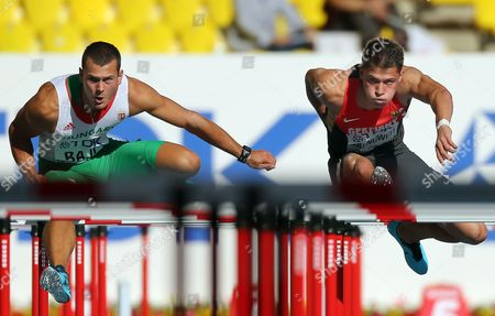 Hungary's Balazs Baji (l) and Germany's Erik Balnuweit (r) in Action During the Men's 110m Hurdles Heats at the 14th Iaaf World Championships at Luzhniki Stadium in Moscow Russia 11 August 2013 Russian Federation Moscow