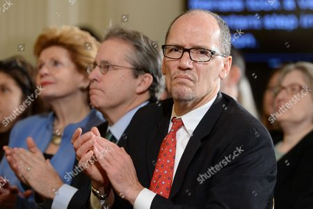 Us Secretary of Labor Thomas Perez (r) Gene Sperling (c) Director of the National Economic Council and Assistant to the President For Economic Policy and Democratic Senator From Michigan Debbie Stabenow (l) Applaud Us President Barack Obama (not Pictured) During an Event in the East Room of the White House in Washington Dc Usa 07 January 2014 Obama Voiced Support For an Extension of Emergency Unemployment Benefits a Bipartisan Bill in Congress Would Extend Emergency Unemployment Benefits For Three Months More Than One Million Jobless Americans Lost These Benefits when They Expired at the Beginning of the Year United States Washington